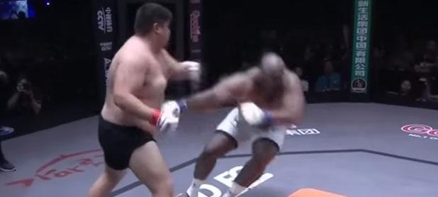 「ボブ・サップ」が中国の太った選手に秒殺