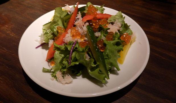 【2品目】 ズワイ蟹と京都産無農薬野菜のサラダ~いくら添え~