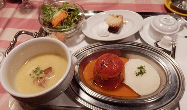 丸ごとトマトの肉詰めロースト(1,000円)