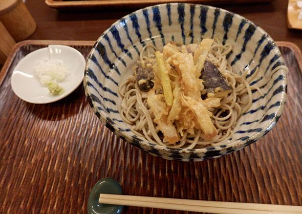 なすと葱の天ぷらそば