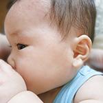 お母さんは「気持ちいいの?」赤ちゃんに授乳をする時に感じてる説に反論